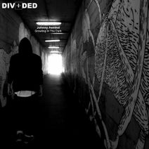 Johnny Aemkel - Growling In The Dark